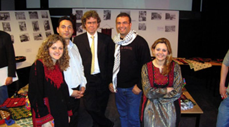 Zajel and ROOD Organize a Palestinian Folkloric Exhibition in Holland